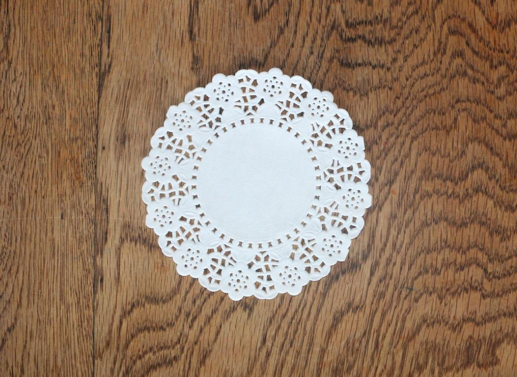White Doilies - 140mm - 25 Pk