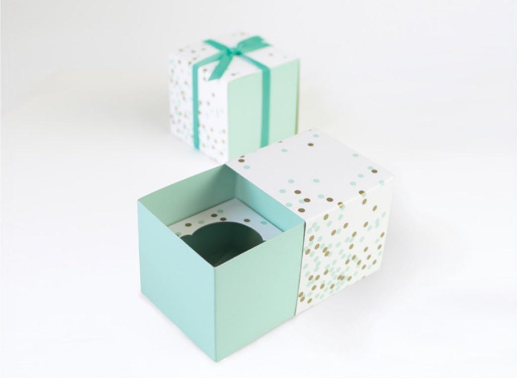 Paper Eskimo Cupcake Boxes - Mint Confetti